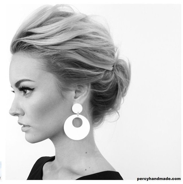 Messy Chignon Look