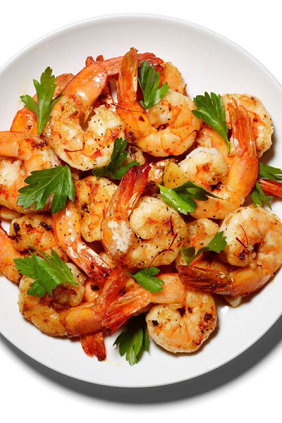 Sautéed Shrimp With Garlic and Saffron