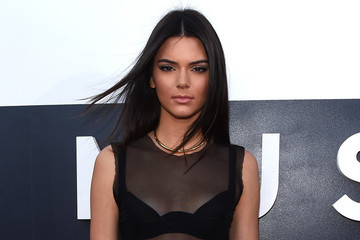 Kendall Jenner Pictures -- 2014 VMA Red Carpet