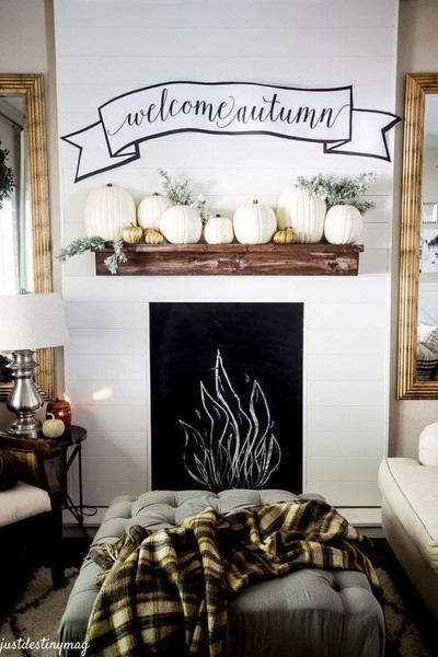 Welcoming Decor