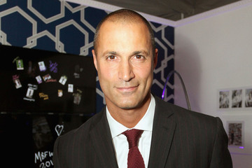 Nigel Barker Teaches Us How to Snap the Perfect Selfie (You'll NEVER Guess His Advice!)