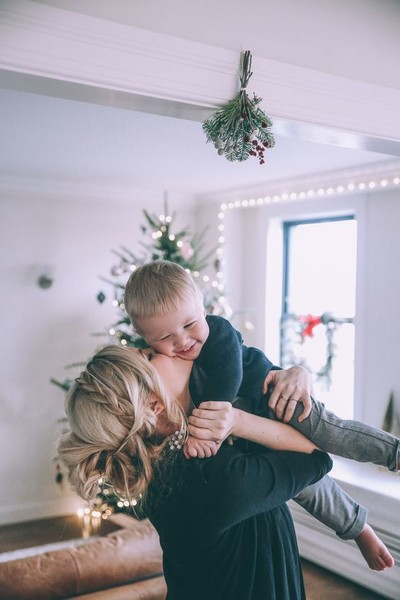 Holiday Traditions to Start with Your Own Family