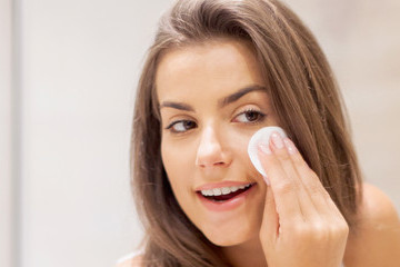 6 Reasons You Should Definitely Take Your Makeup Off Before Bed