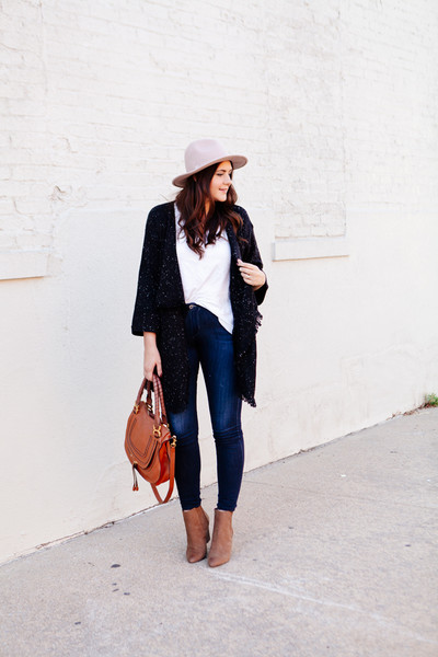 Long Soft Cardigan and Blue Jeans