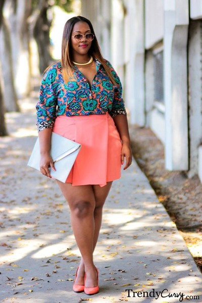 5bcbe781d92 Mini Skirts For The Win! - Plus-Size Date Outfits To Slay In - Livingly