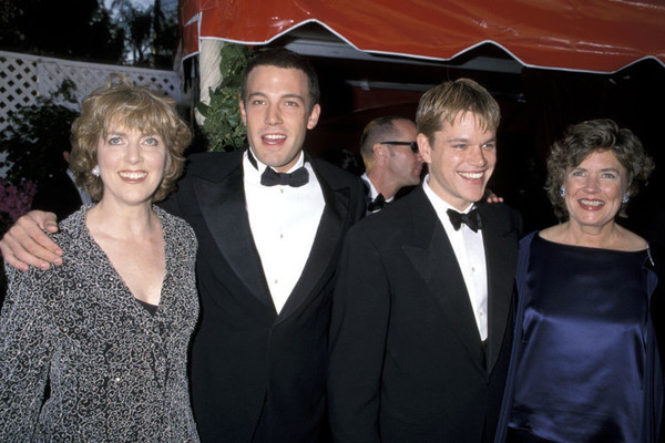 Celebrities Who Brought Their Moms To The Oscars