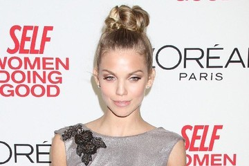 AnnaLynne McCord Rocks a Top Knot on the Red Carpet