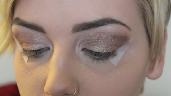 Use Tape For The Perfect Cat-Eye