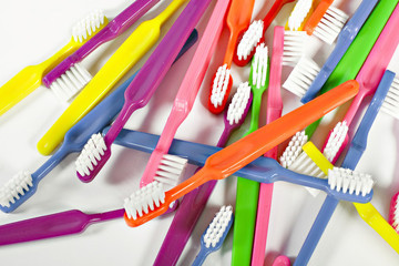 5 Ways You Should Be Using a Toothbrush in Your Beauty Routine