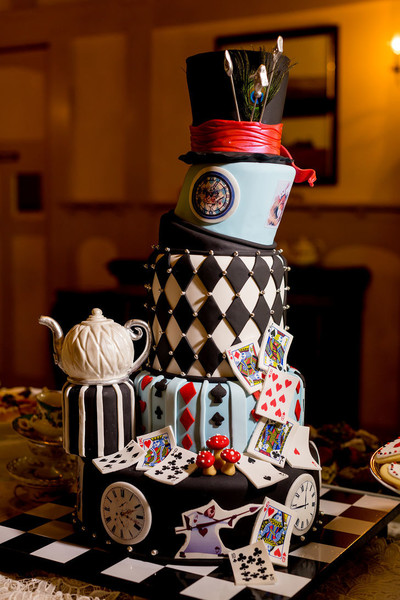 Mad Hatter Cake - These Disney Wedding Details Will Make Your Big ...