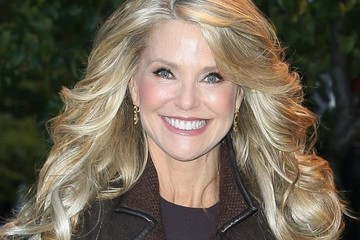 Christie Brinkley Launches Hair2Wear Collection