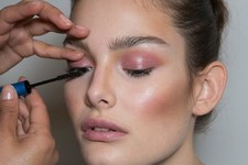 How to Pull Off Glossy Eyes Without Looking Like a Hot Mess
