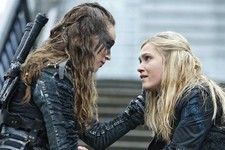 'The 100' Showrunner Explains How Clarke Will Move On from Lexa