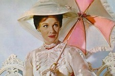 Here's How Julie Andrews Really Feels About Emily Blunt Playing Mary Poppins