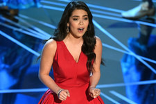 Watch 'Moana' Star Auli'i Cravalho Get Hit in the Head and Carry On Like a Champ