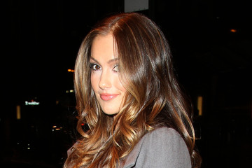 Minka Kelly's Hairstyles for Long Hair