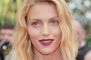 Anja Rubik Short Wavy Cut