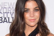 Julia Restoin-Roitfeld Medium Wavy Cut