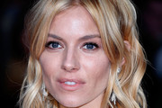 Sienna Miller Medium Wavy Cut